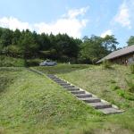 三平山ログハウス周辺の草刈を実施しました