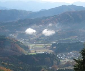 蒜山盆地(早朝三平山登山道より)
