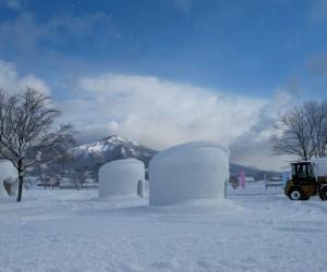カマクラに新雪