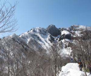 3月20日烏ヶ山山頂(東尾根より)