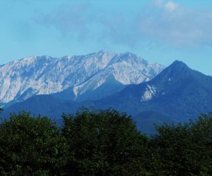 8/8  大山、烏ヶ山 茅部により、夏には珍しく空気が澄んでいました。