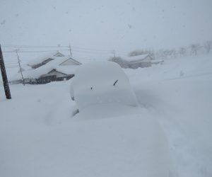 1/23 車が埋まる  積雪は90㎝位