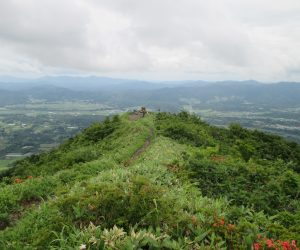 八合目上から槍ヶ峰・蒜山のみはらし