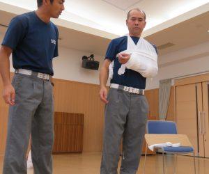 8月21日 応急処置講習会 消防の救急隊の協力で行いました 毒へび、虫刺され、骨折、捻挫などの救急処置の勉強