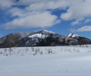 雪恋祭り2月4日 ⑤上蒜山(正面)と中蒜山(右奥)