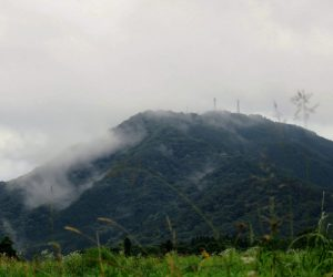 7/30 高張山 蒜山盆地に突き出たテレビの電波塔