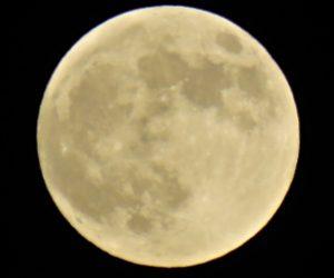 7/27  満月の時はクレーターがスッキリ見えない