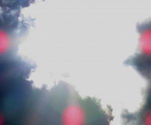 7/31 雲隠れした太陽 頭の上で入道雲が発達