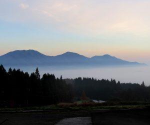 11/21 久し振りの雲海 朝日と蒜山を撮るには皆ヶ山山麓のキャンプ所が最適