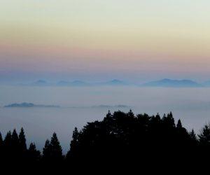 11/21 久し振りの雲海 ハーブガーデン(ハービル)駐車場より 蒜山盆地全体を撮るには三平山ログハウス付近など
