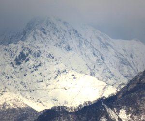 11/23 大山の裾がわずかに見えました 21日よりはだいぶ積雪が増えたようです