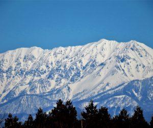 冬の名残の大山
