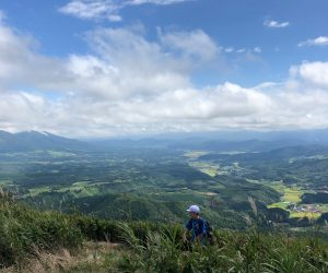 三平山頂上から蒜山